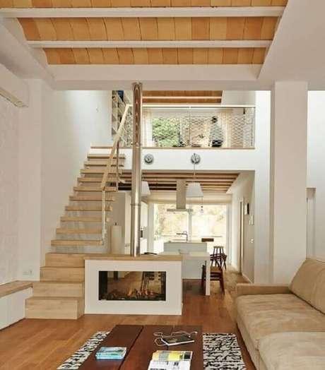 69. Projeto de casa de madeira com mezanino decorado com estilo rústico. Fonte: Pinterest