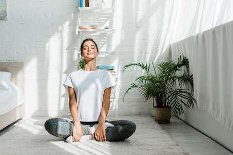 A Respiração da Folha Seca vai lhe ajudar a respirar mais suavemente e a se conectar com o mundo ao seu redor