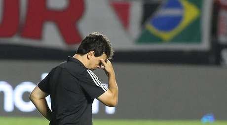 Fernando Diniz seguirá no comando do São Paulo mesmo após goleada por 5 a 1 em casa
