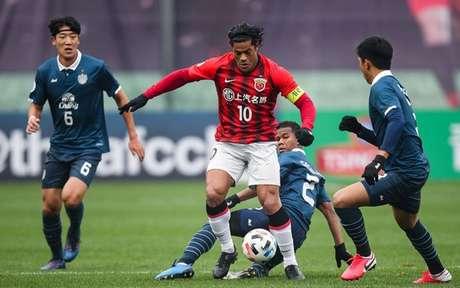 Hulk, de 34 anos, é cortejado por vários times do futebol brasileiro, incluindo o Galo-(Divulgação/Shanghai SIPG)