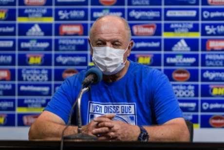 O treinador se mostrou irritado com as dúvidas sobre o seu futuro na Raposa-(Gustavo Aleixo/Cruzeiro)