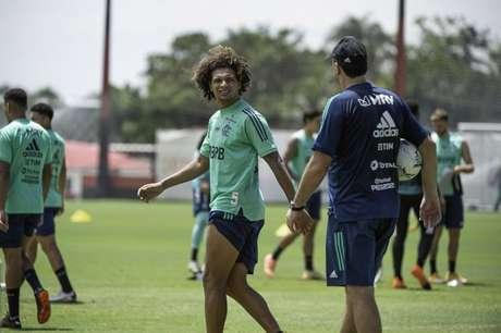 Arão iniciará o jogo contra o Palmeiras de zagueiro (Foto: Alexandre Vidal/Flamengo)