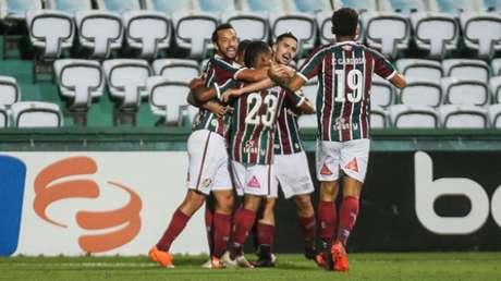 Fluminense garantiu o empate com o Coritiba nos últimos minutos (Foto: LUCAS MERÇON / FLUMINENSE F.C.)