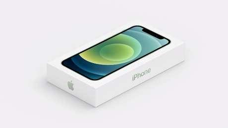 Sem fone de ouvido e carregador, caixa do iPhone 12 ficou menor (Imagem: Apple)