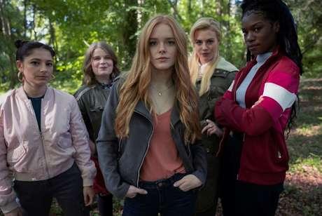 Bloom (Abigail Cowen), Stella ( Hannah van der Westhuysen), Aisha (Precious Mustapha), Terra (Eliot Salt) e Musa (Elisha Applebaum) são as fadas de Fate: A Saga Winx