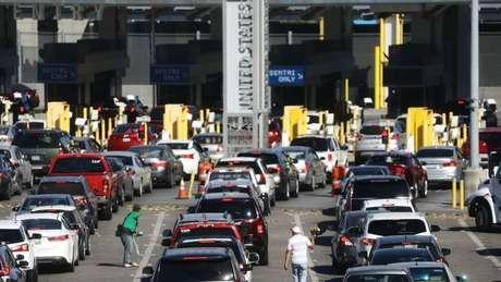 Os EUA e o México compartilham uma das fronteiras mais cruzadas do mundo