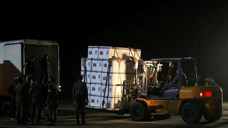 Houve atrasos na distribuição da Coronavac pelo Ministério da Saúde