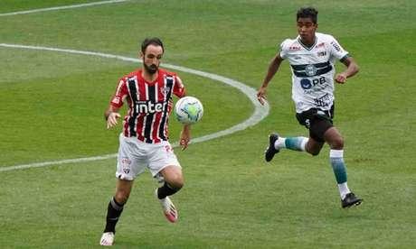 No 1º turno, São Paulo e Coritiba empataram por 1 a 1 no Couto Pereira (Foto: Carlos Pereyra/Fotoarena/Lancepress!)