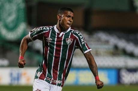 John Kennedy fez o primeiro dos três gols do Fluminense na partida (Foto: Lucas Merçon/Fluminense FC)