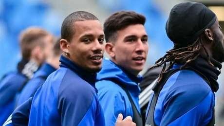 Rafael Ratão, em destaque, voltou a treinar com o elenco no Slovan (Foto: Divulgação/Slovan Bratislava)