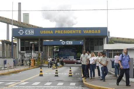 Unidade da CSN em Volta Redonda, RJ, Brasil. 16/01/2009. REUTERS/Fernando Soutello
