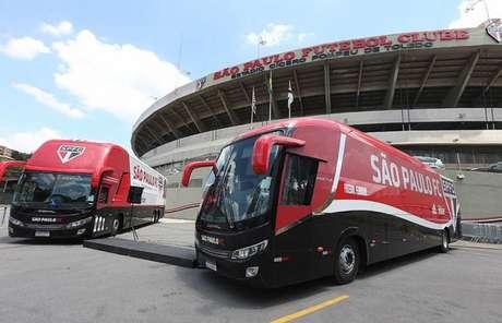 Ônibus do São Paulo foi apedrejado a caminho do Morumbi (Paulo Pinto/saopaulofc.net)