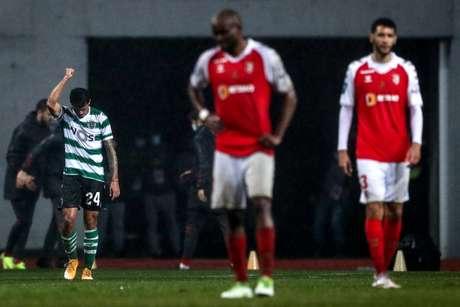 Pedro Porro foi o artilheiro do dia no Estádio Municipal de Leiria (Foto: CARLOS COSTA / AFP)