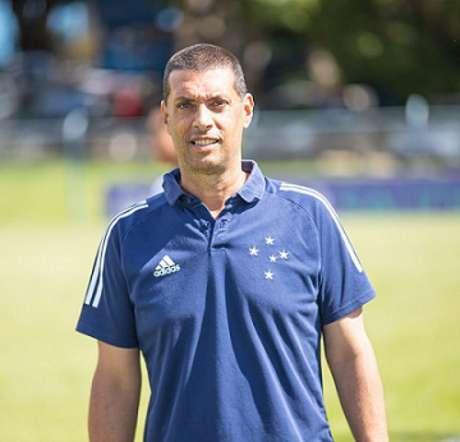 Tchelo chegou em setembro de 2020 e seguirá comandando as Cabulosas em 2021-(Igor Sales/Cruzeiro)