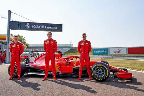 Illot, Shwartzman e Schumacher com a SF71H. O trio vai voltar a guiar o carro nesta próxima semana