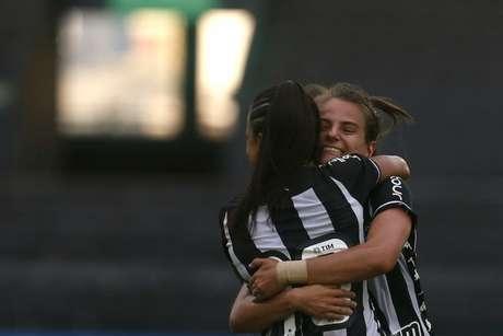 Chaiane e Vivian são duas das principais jogadoras do Botafogo (Foto: Vítor Silva/Botafogo)