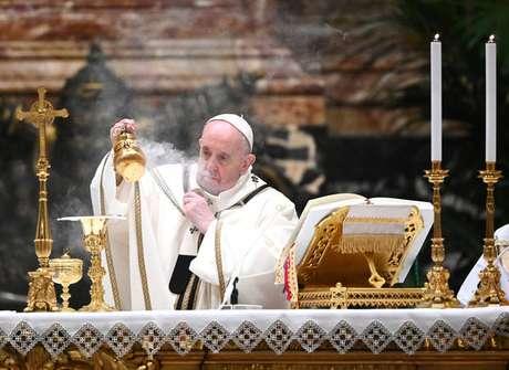 Oração foi feita após recitação do Ângelus neste domingo (24)