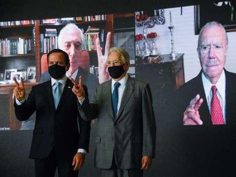 O governador João Dória e o ex-presidente Fernando Henrique Cardoso durante coletiva de imprensa no Palácio dos Bandeirantes, em São Paulo