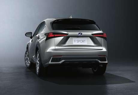 Lexus NX 300h: três versões na linha 2021.