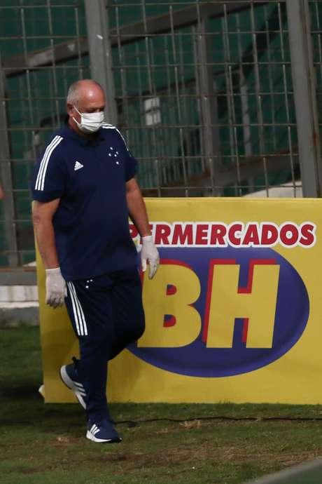 Felipão evitou novo rebaixamento, mas não conseguiu acesso