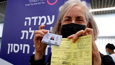 Velocidade do programa de vacinação contra a covid-19 de Israel tem sido impressionante