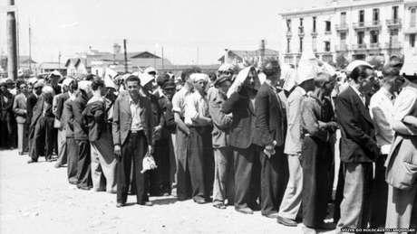 Judeus reunidos na Praça Eleftherias