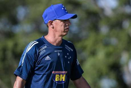 Célio Lúcio vai comandar o Cruzeiro no derradeiro compromisso do time na Série B, sexta-feira, contra o Paraná-(Gustavo Aleixo/Cruzeiro)