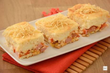 Guia da Cozinha - Torta de batata e salsicha cremosa: pronta em 40 minutos