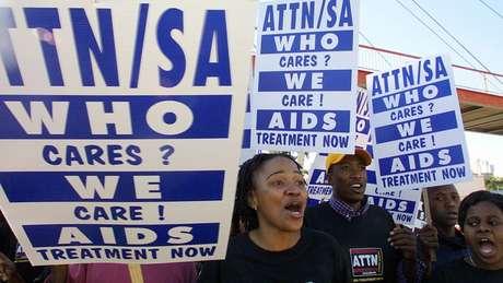 Uma campanha combinada resultou na disponibilização de medicamentos contra a Aids acessíveis na África