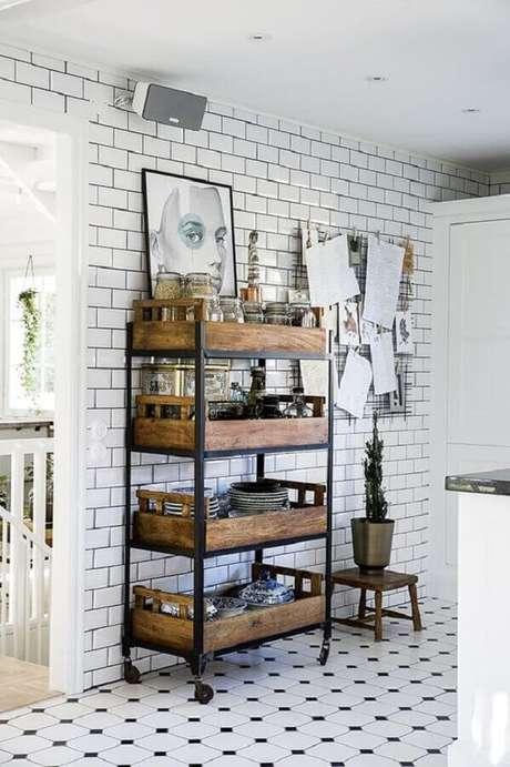 38. Decoração de cozinha estilo industrial simples – Foto: Boho Deco Chic