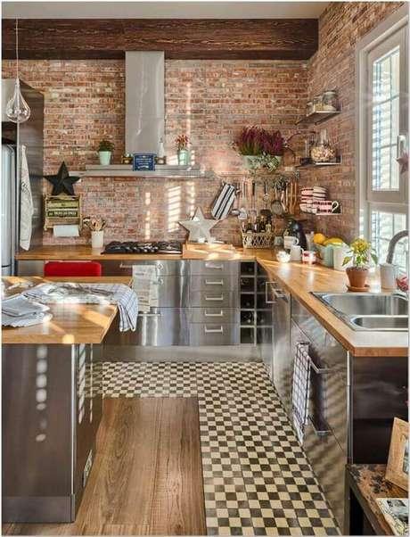 3. O acabamento em inox também é bem interessante para o armário de cozinha industrial – Foto: Pinterest