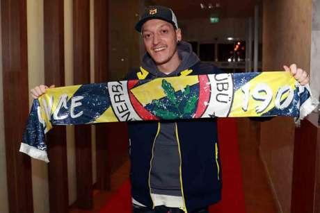Mesut Ozil foi anunciado no último domingo (Foto: AFP)