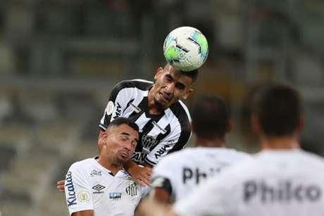 O Galo teve uma noite de futebol seguro contra os reservas do Santos, que poupou os titulares para a final da Libertadores, sábado, contra o Palmeiras-(Pedro Souza/Atlético-MG)