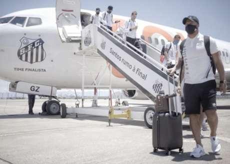 Santos já está no Rio de Janeiro para a final da Libertadores (Crédito: Divulgação/SantosFC)