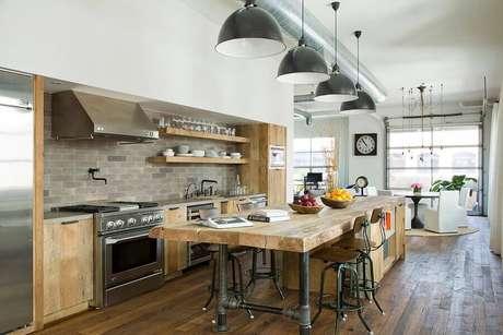 11. O conceito aberto faz parte de muitos projetos de cozinha estilo industrial – Foto: Houzz