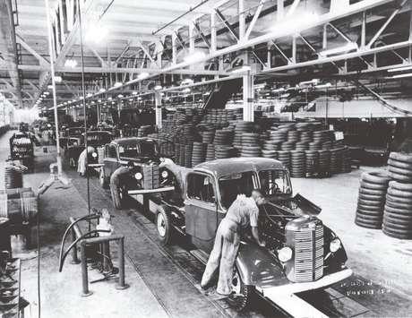 Nos anos 50, a Chevrolet produziu somente camionetes e caminhões no Brasil.