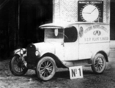 Primeiro modelo montado pela marca no Brasil foi um furgão de entregas urbanas, em 1925.