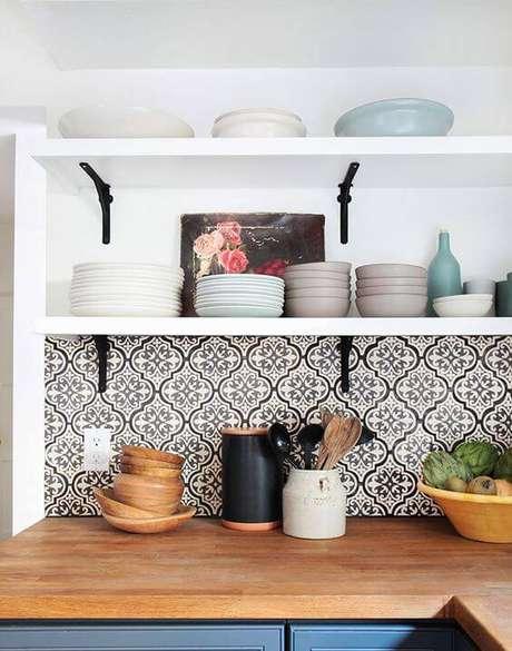 34. Papel de parede de cozinha preto e branco – Via: Pinterest