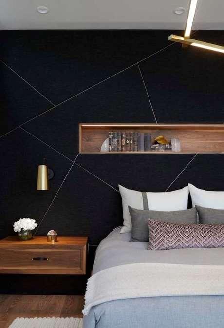 1. Quarto com papel de parede em formato geométrico – Via: Pinterest