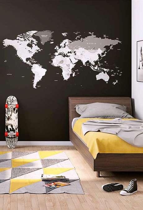 22. Papel de parede preto para quarto infantil – Via: Pinterest