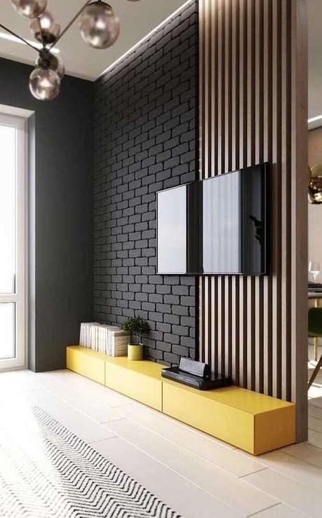 9. Papel de parede tijolinho preto – Via: Decor Fácil