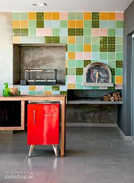 48. Revestimento retrô para área gourmet – Via: Casa Abril