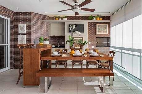 41. Revestimento para área gourmet de tijolinho – Via: Pinterest