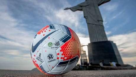 Bola que será utilizada na final deste sábado, no Maracanã