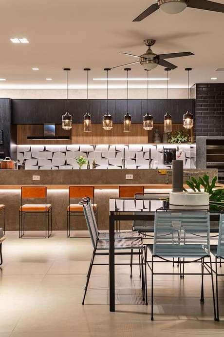 51. Revestimento moderno para área gourmet – Via: Casa de Valentina