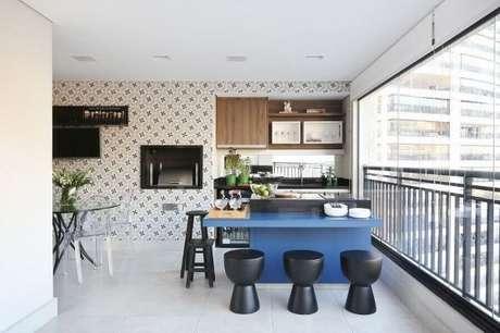 25. Revestimento para área gourmet de apartamento planejado – Via: Ana Paula Briza