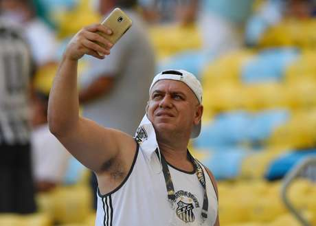 Entrada de convidados para final da Libertadores é marcada por quebra de protocolos