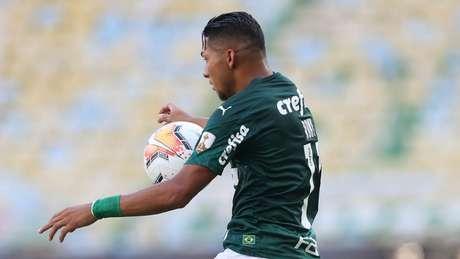 Rony atuando na final da Libertadores contra o Santos (Foto: Cesar Greco)