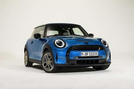Primeiro modelo Mini e primeiro carro compacto no segmento premium a funcionar apenas com energia elétrica.