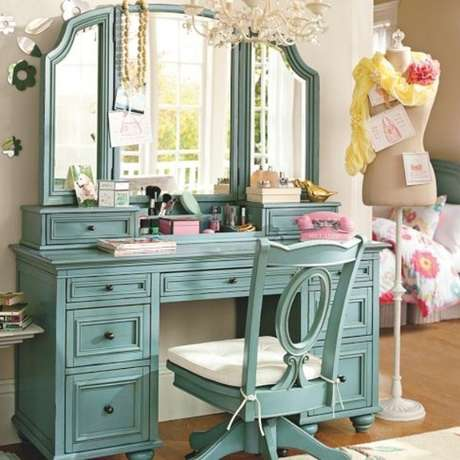 47. Cadeira para penteadeira turquesa – Via: Pinterest